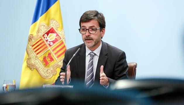 El ministre Jordi Cinca en la compareixença posterior a la reunió del consell de ministres