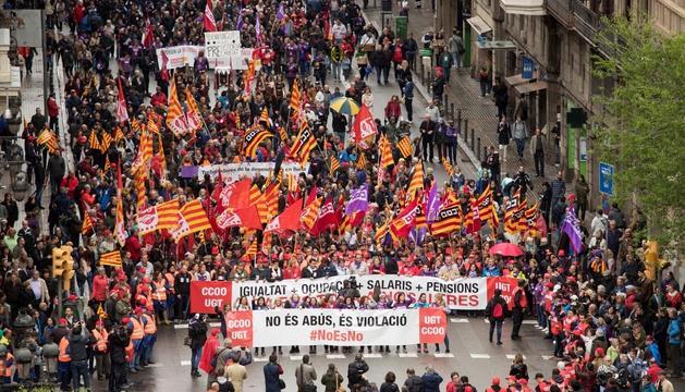 Milers de persones es van mobilitzar ahir a Barcelona.
