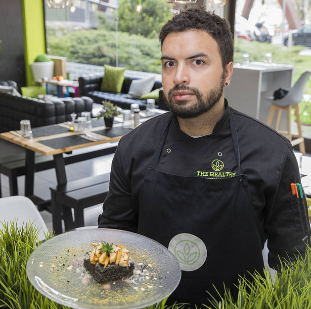 El xef del restaurant The Healthy Ezequiel Garcia Laurato