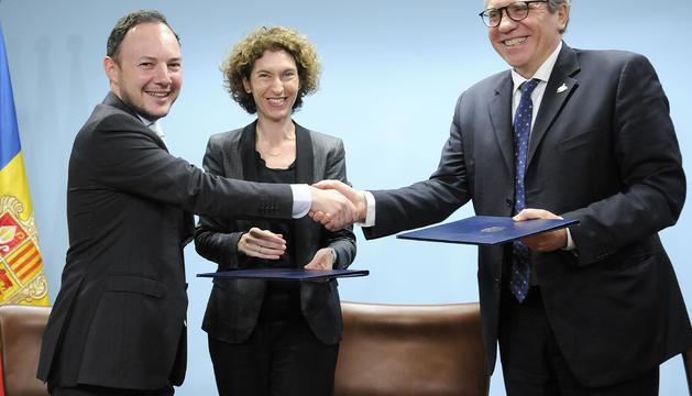 Acte de signatura del conveni aquest matí a Govern
