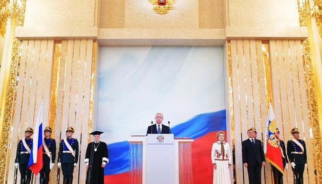 Putin, durant la investidura, ahir al Kremlin.