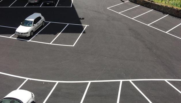 La zona d'estacionament compta amb 41 places