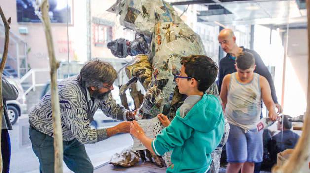 L'artista Philippe Lavaill a la Peixera, avui