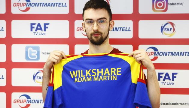 Adam Martín.