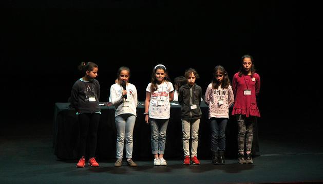 Els alumnes participants en la cinquena jornada científica escolar