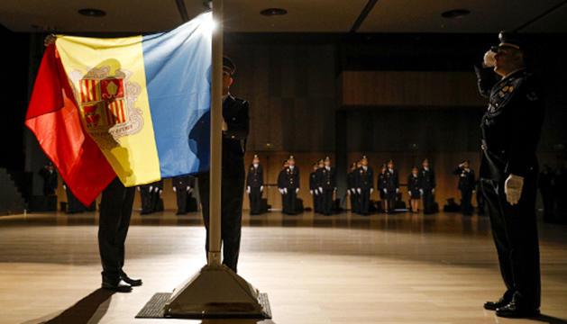 Cerimònia de cloenda i jurament de la promoció número 53 d'agents de policia