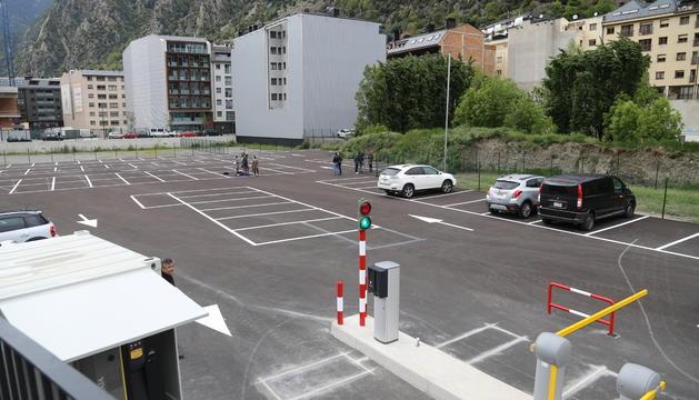 El nou aparcament al costat de l'estació nacional d'autobusos