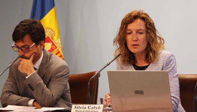 La ministra de Medi Ambient, Agricultura i Sostenibilitat, Sílvia Calvó i el portaveu del Govern, Jordi Cinca.