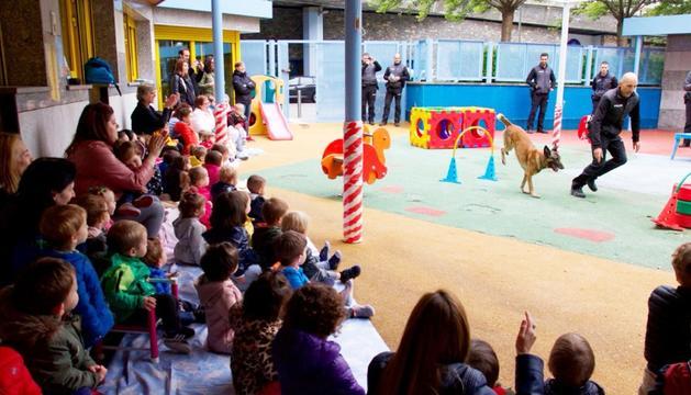 Imatge dels infants durant l'exhibició, ahir.