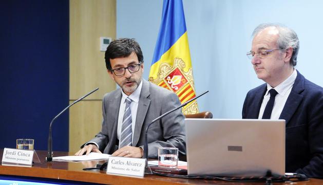 El ministre portaveu, Jordi Cinca, i el ministre de Salut, Carles Álvarez, ahir.