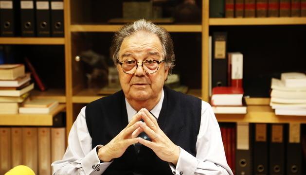 L'advocat Manuel Pujadas al seu despatx.