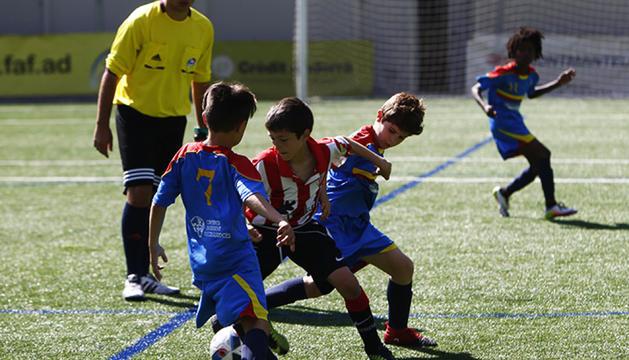 Un partit de l'edició de l'any passat del Memorial Vila.