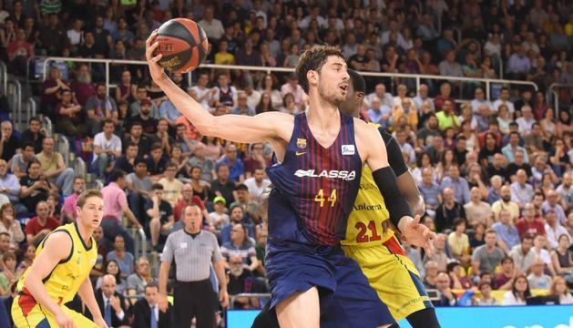 El Barça Lassa s'ha posat a pencar de valent i ha deixat fora de joc al conjunt tricolor