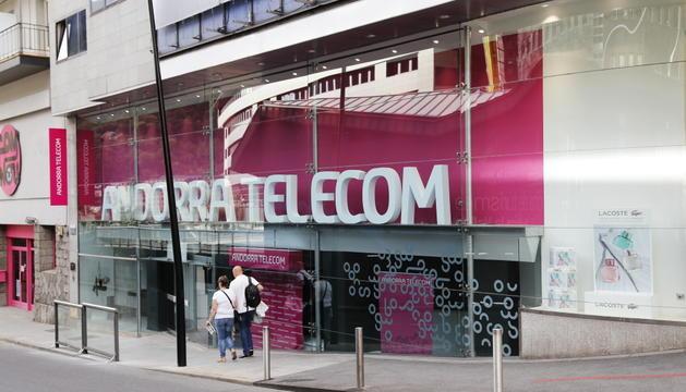 L'oficina comercial d'Andorra Telecom al carrer Prat de la Creu.