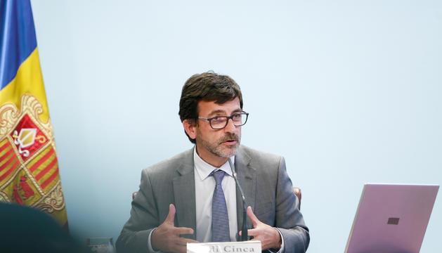 El ministre Jordi Cinca a la roda de premsa posterior al Consell de Ministres, avui