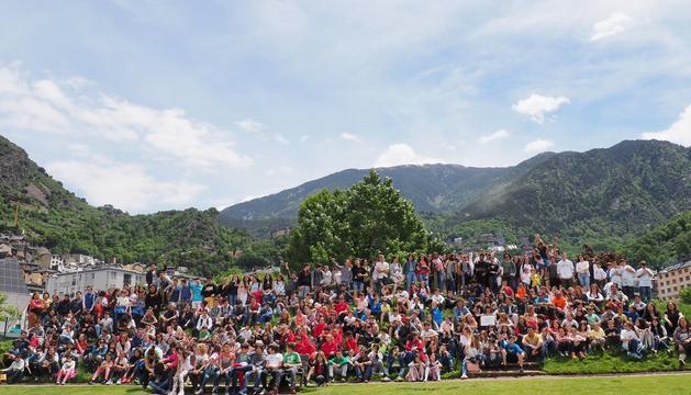 Alumnes i professors que han participat al 8è Fòrum Escola Verda