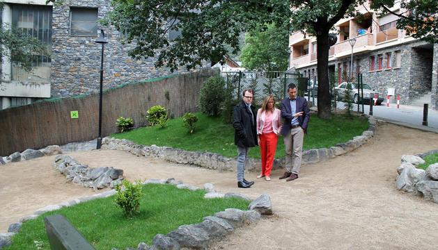 Presentació de la remodelació del Parc del Contrapàs amb l'assistència de David Astrié, Josep Antoni Cortés i Mònica Codina