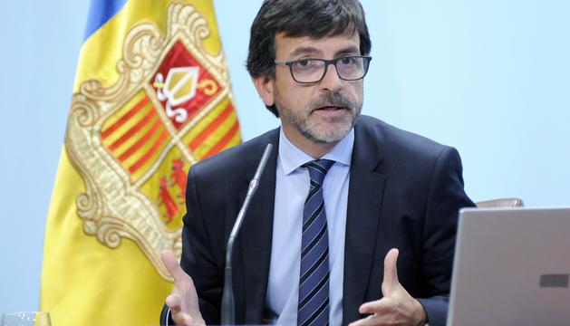 El ministre Jordi Cinca durant la roda de premsa posterior al consell de ministres