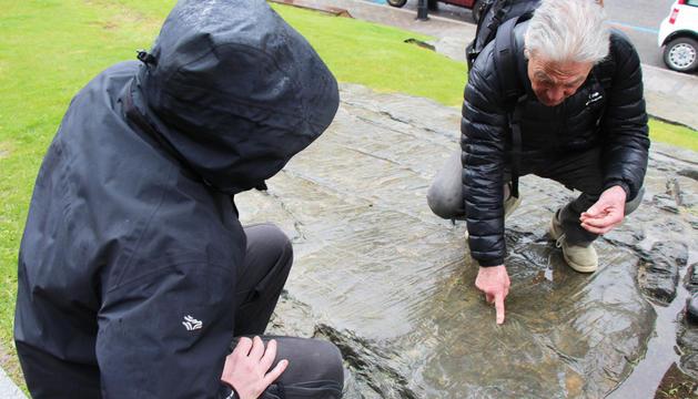 Reproducció del roc de les Bruixes que hi ha davant del Palau de Gel.