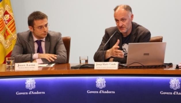 El secretari d'Estat de Salut, Joan León, i el cap d'àrea de Seguretat Alimentària i Entorn, Josep Maria Casals