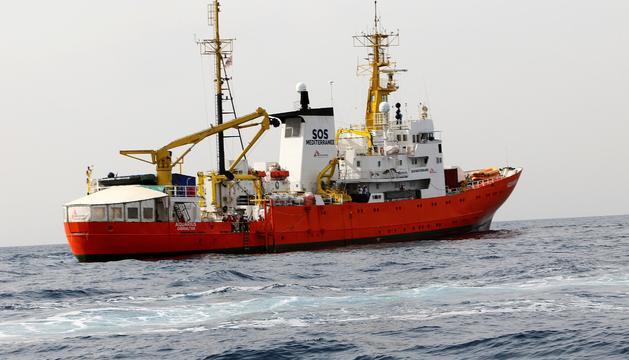 El vaixell 'Aquarius' es dirigeix cap al port de València.