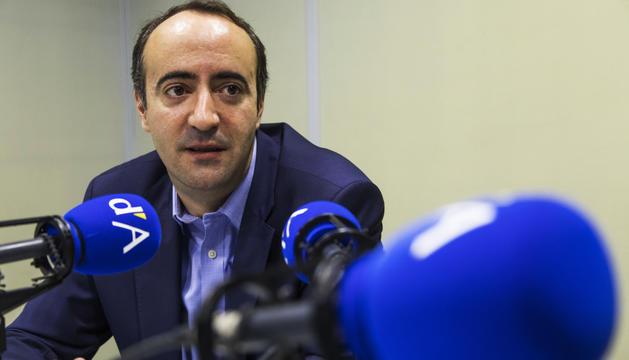 David Baró durant l'entrevista a la ràdio del Diari.