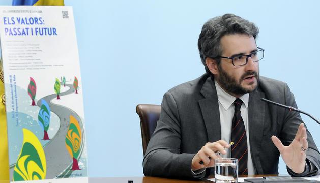 El ministre Enric Jover presenta el programa de la Universitat d'estiu