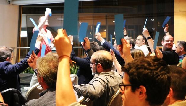 Els militants liberals durant la votació al congrés d'ahir