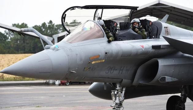 Pilots a bord d'un avió de combat Dassault Rafale de la força aèria francesa, a Mont-de-Marsan.