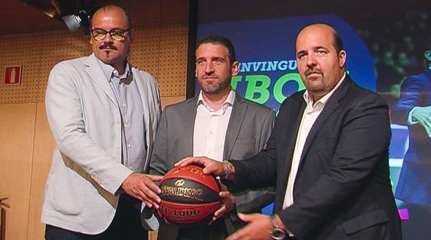 Francesc Solana, Ibon Navarro i Gorka Aixàs i durant la presentació del tècnic basc