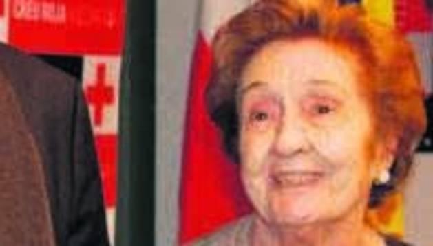 Manela Mora en un acte d'homenatge el 2012