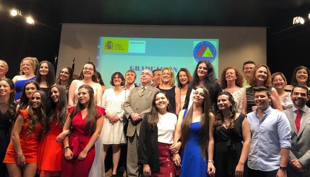 Els alumnes del col·legi María Moliner celebren l'acte de graduació