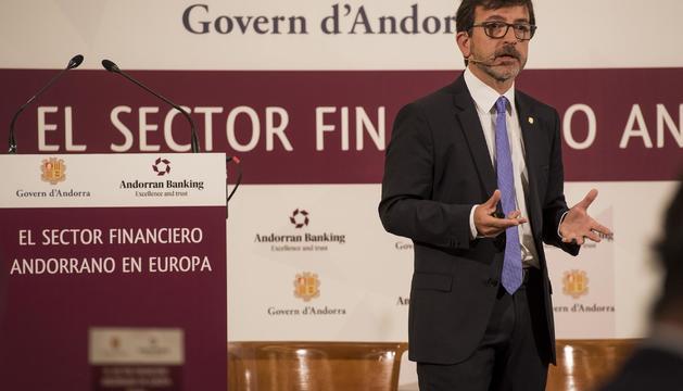 El ministre Jordi Cinca, durant la seva intervenció