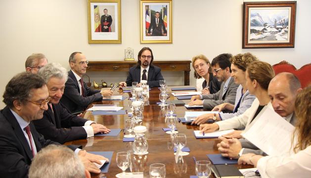 Reunió de treball, divendres passat, amb el cap negociador de la Unió Europea per a l'acord d'associació del Servei Europeu d'Acció Exterior, Thomas Mayr-Harting, i el cap negociador adjunt, Claude Maerten.