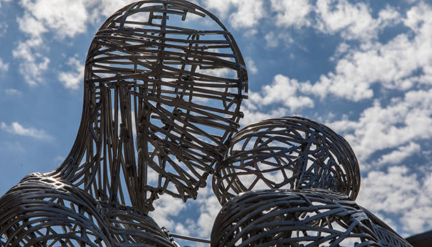 'Amants d'acer' de Jordi Díez a la Plaça de Lalín