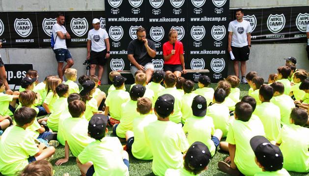 Alexia Putellas responent a les preguntes dels participants al Nike Camp Andorra.