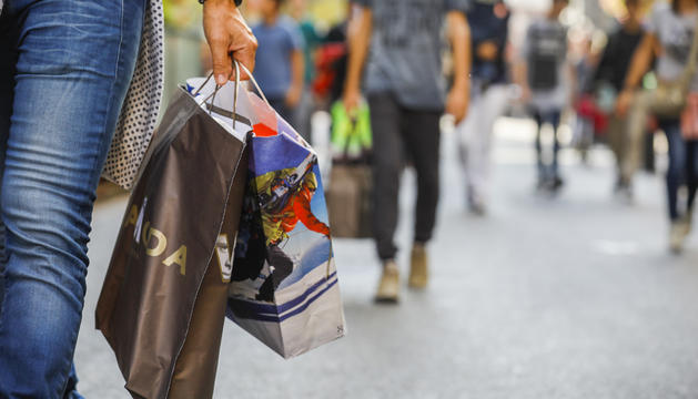 A moltes botigues hi ha descomptes de fins al 50%