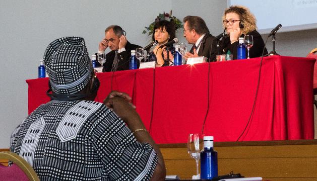 Representants de tribunals constitucionals de diversos països han exposat les seves experiències