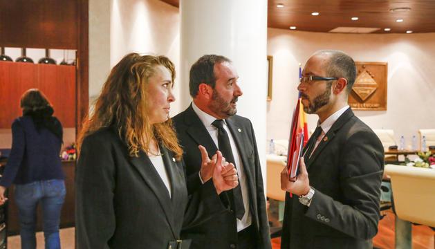 Els consellers Lafoz i Troguet, de L'A, i Sans, del PS.