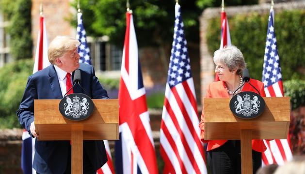 Trump i May durant la roda de premsa posterior a la trobada.