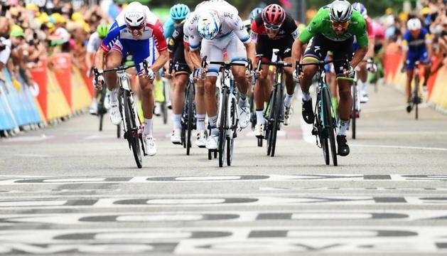 Peter Sagan es va imposar a la meta de Valence.