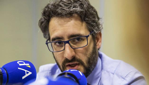 Eric Jover durant la conversa a la ràdio del Diari.