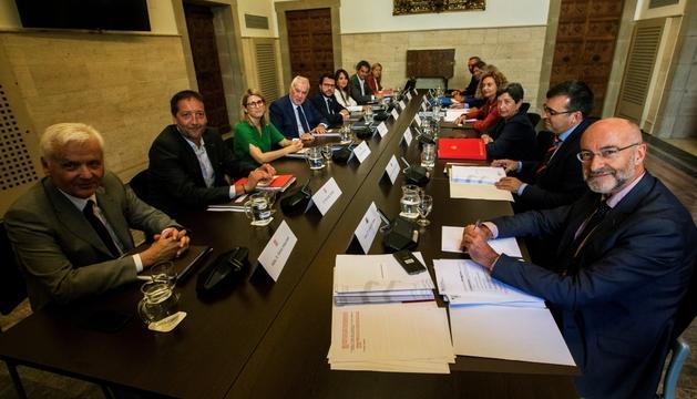 Un moment de la reunió de la comissió bilateral Estat-Generalitat, ahir.
