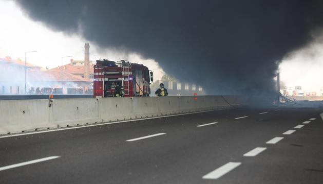 La columna de fum, instants després de la col·lisió.