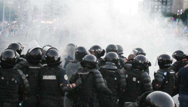 La policia va intervenir amb gasos lacrimògens.