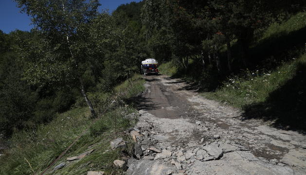 Carretera dels Cortals de Sispony després de les tempestes de diumenge