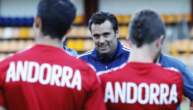 Koldo Álvarez, en un entrenament amb la selecció nacional a l'Estadi Comunal.