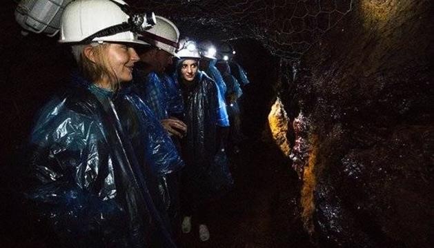 Visita nocturna a la mina de Llorts