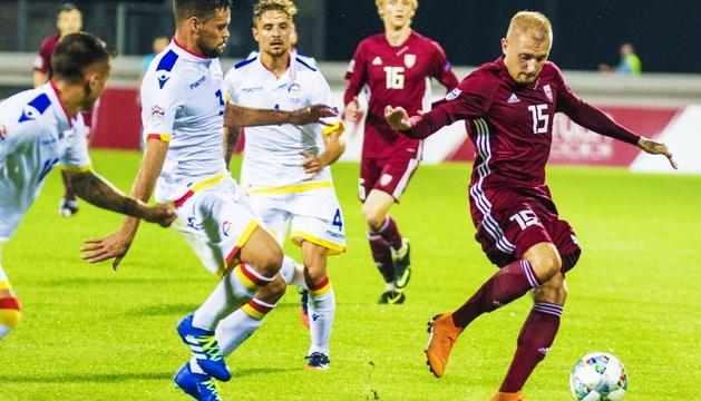 La selecció va començar la Lliga de les Nacions assolint un empat a Riga.