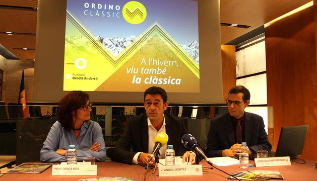 El cònsol major, Josep Àmgel Mortés, amb i el nou director artístic del festival